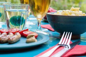 Der Kartoffelsalat ist in Deutschland ein beliebter Partysalat.