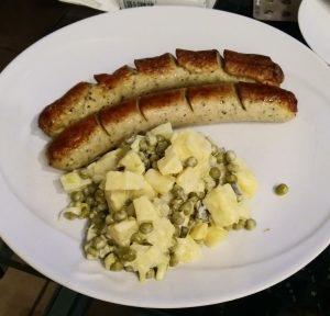 Geflügelbratwurst mit Kartoffelsalat